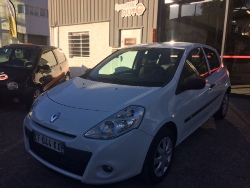 Crolles : Renault CLIO III � 6 980 €